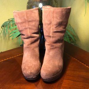 UGG Chestnut Lynnea Clog Boots
